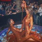 Duo Lesbien Chocolat