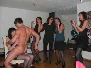 Strip-teaseur à domicile Gard