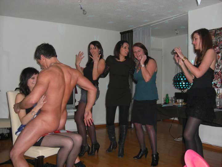 Stripteaseur à domicile Bouches-du-Rhône - PACA