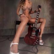 Striptease à domicile Annecy avec Morgane